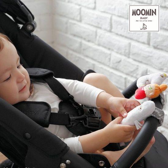 赤ちゃんの手首につけるおもちゃ