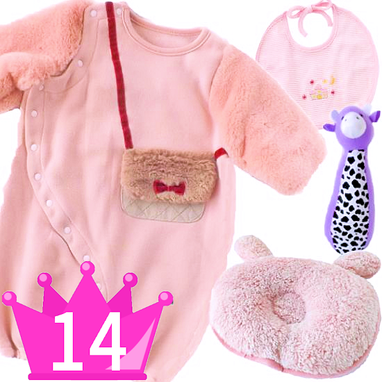おすすめ女の子出産祝い14位 ふんわり秋冬ベビー服とベビー枕セット