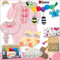 女の子出産祝い 小花柄ベビー服(ピンク)とsassyおもちゃセット