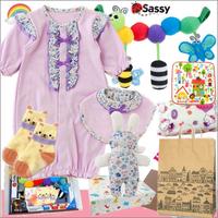 女の子出産祝い 小花柄ベビー服(パープル)とsassyおもちゃセット