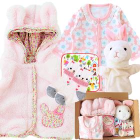 おすすめ女の子出産祝い9位 生後3ヶ月から使えるスリーパーとベスト