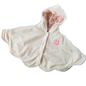 暖かくて柔らかい! ふんわりフード付きベビーマント(ピンク)